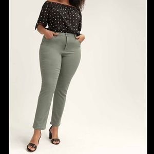 Penningtons Slim Slightly Curvy Ankle Jeans